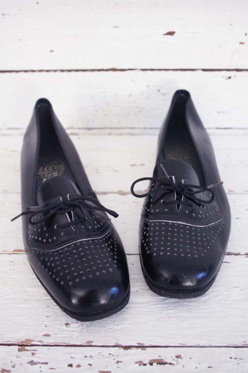 Ongedragen vintage schoenen