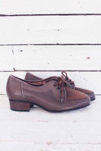 Deadstock vintage schoenen.